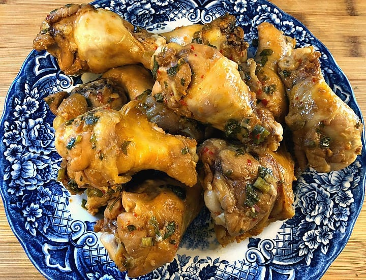Sous Vied Garlic Sticky Wings