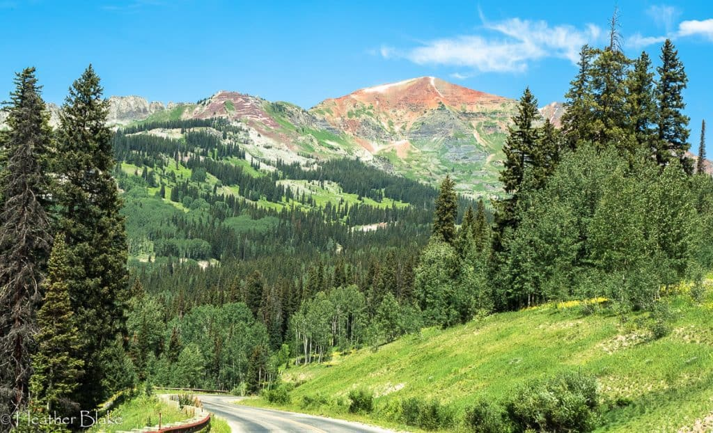 A picture of a red topped mountain off of Cottonwood Pass, Colorado